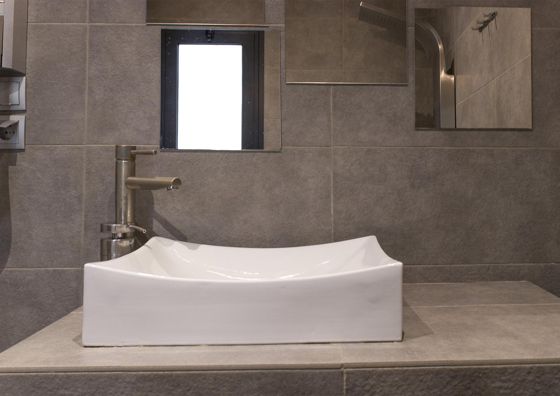 bathroom panorama 2